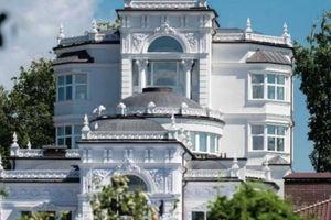 Продається будинок 5 поверховий 1000 кв. м з мансардою