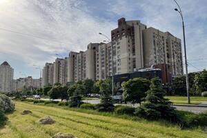 Продается 2-комнатная квартира 68.6 кв. м в Киеве