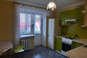 Продается 2-комнатная квартира 62 кв. м в Полтаве
