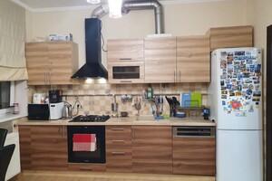 Продается 2-комнатная квартира 68 кв. м в Ужгороде