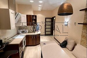 Сдается в аренду 1-комнатная квартира 50 кв. м в Киеве