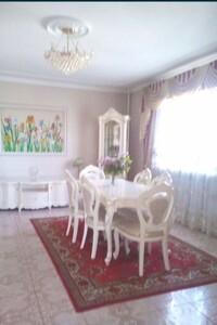 Продается дом на 2 этажа 404.3 кв. м с бассейном