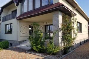 Продается дом на 3 этажа 450 кв. м с баней/сауной