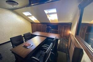Продается офис 26 кв. м в административном здании