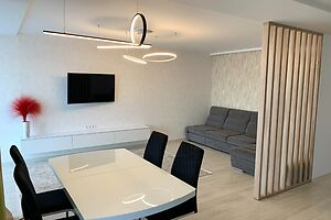Продається 3-кімнатна квартира 99.8 кв. м у Тернополі