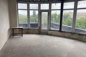 Продається об'єкт сфери послуг 38 кв. м в 4-поверховій будівлі