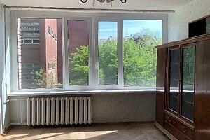Продається 3-кімнатна квартира 68.9 кв. м у Києві