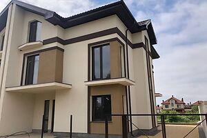 Продається будинок 3 поверховий 250 кв. м з балконом