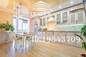 Продается 3-комнатная квартира 95.8 кв. м в Виннице