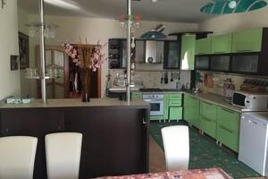 Продається будинок 2 поверховий 260 кв. м з банею/сауною