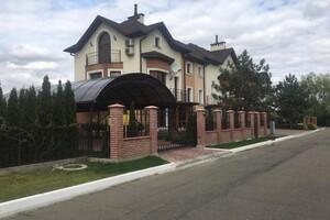 Продається будинок 3 поверховий 240 кв. м з банею/сауною