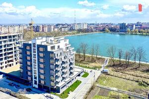 Продается 4-комнатная квартира 170 кв. м в Ивано-Франковске
