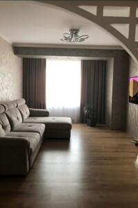 Продается 3-комнатная квартира 85 кв. м в Черновцах