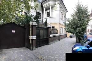 Продається будинок 3 поверховий 420 кв. м з мансардою