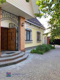 Продается одноэтажный дом 97 кв. м с бассейном
