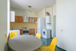 Здається в оренду 4-кімнатна квартира 145 кв. м у Києві