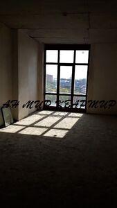 Продається 3-кімнатна квартира 127 кв. м у Полтаві