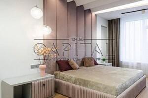 Продается 4-комнатная квартира 150 кв. м в Киеве