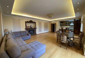 Продается 3-комнатная квартира 164 кв. м в Днепре