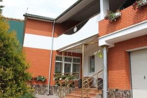 Продается дом на 2 этажа 427 кв. м с садом