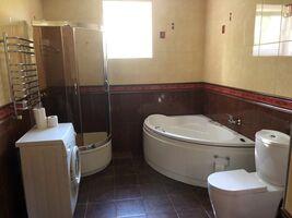 Сдается в аренду 3-комнатная квартира 102 кв. м в Ивано-Франковске