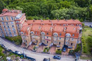Продається будинок 3 поверховий 465 кв. м з садом