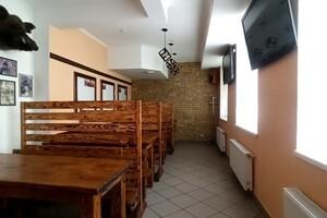 Продается нежилое помещение в жилом доме 270 кв. м в 9-этажном здании