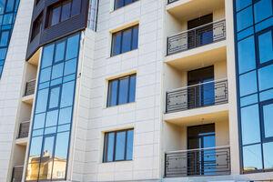 Продается 3-комнатная квартира 92.8 кв. м в Черновцах