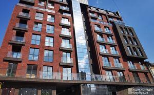 Продається 3-кімнатна квартира 120.7 кв. м у Львові