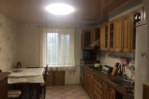 Продається 4-кімнатна квартира 107 кв. м у Полтаві