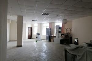 Продается помещения свободного назначения 92 кв. м в 5-этажном здании