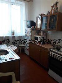 Продается 3-комнатная квартира 83 кв. м в Полтаве