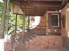 Продається офіс 410 кв. м в нежитловому приміщені в житловому будинку