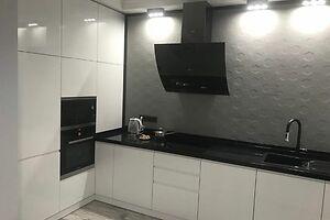 Продается 3-комнатная квартира 75 кв. м в Черновцах