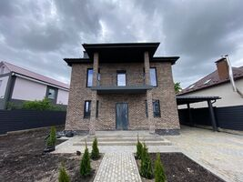Продається будинок 2 поверховий 206 кв. м з ділянкою