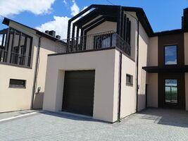 Продается дом на 2 этажа 220 кв. м с камином
