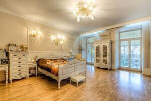 Продається одноповерховий будинок 305 кв. м з банею/сауною