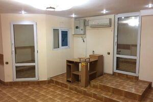 Продается офис 40 кв. м в нежилом помещении в жилом доме