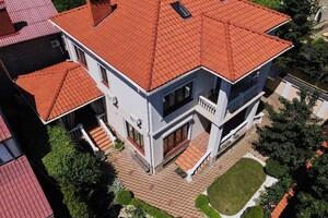 Продається будинок 2 поверховий 380 кв. м з мансардою