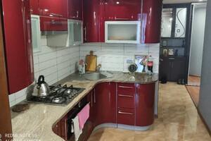 Продается 4-комнатная квартира 79 кв. м в Хмельницком