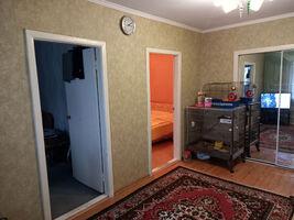 Продається 4-кімнатна квартира 63.5 кв. м у Херсоні