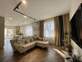 Продается 3-комнатная квартира 84.3 кв. м в Ровно