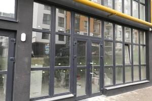 Продається офіс 92 кв. м в нежитловому приміщені в житловому будинку