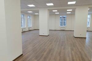 Продается офис 196 кв. м в бизнес-центре