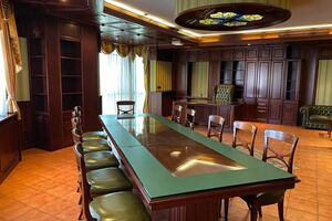 Продается офис 1245 кв. м в бизнес-центре