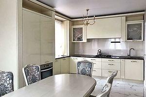Продается 4-комнатная квартира 165 кв. м в Луцке