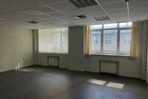 Продается офис 220 кв. м в нежилом помещении в жилом доме