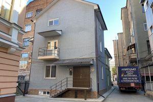 Продается офис 151 кв. м в бизнес-центре
