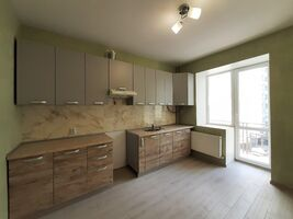 Продается 1-комнатная квартира 45.4 кв. м в Ивано-Франковске