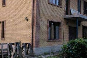 Продається будинок 2 поверховий 280 кв. м з ділянкою